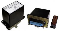 Блок дистанционного управления БДУ-4-3 предназначен для дистанционного управления включением и отключением одиночных механизмов, подключенных к взрывозащищённым пускателям, комплектным устройствам управления (станциям), для дистанционного отключения аппаратов защиты (автоматических выключателей, РУНН трансформаторных подстанций), а также для контроля сопротивления заземляющего провода передвижных механизмов и машин, и защиты от потери управления и самовключения. Блоки БДУ-4-3 служат для замены блока БДУ (в